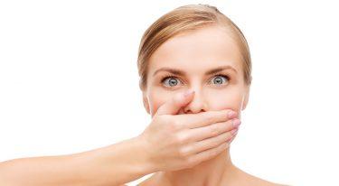 ガムやうがいでは誤魔化せない?口臭の本当の原因は歯周病などお口の問題
