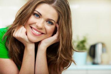 歯を白く保ち虫歯を防ぐ!エナメル質を育てる方法