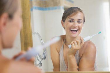 電動歯ブラシを使うなら絶対気をつけたい歯磨き粉の選び方
