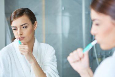 親知らずの抜歯後は歯磨きとうがいの方法に注意しよう
