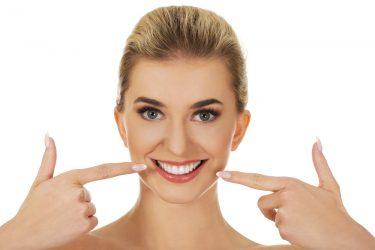 美しい白い歯に!欠けにくいジルコニアのメリット・デメリット