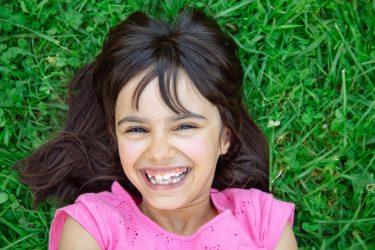 日本人の79.9%は噛み合わせ異常!歯並びが悪い原因とは