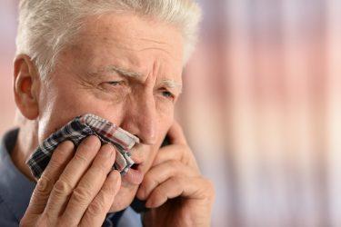 歯を失わないために!歯槽膿漏の原因と基本治療を徹底解説