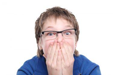 親は気にしすぎない!子供の口臭|原因と対処法の正しい知識