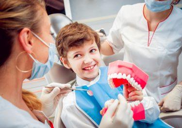 子供の虫歯予防!シーラントのメリット、デメリット、費用