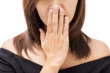 唾液が少ない!口が渇く9の原因と唾液の分泌を増やす方法