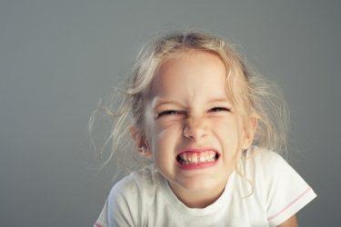 知って安心!子供の歯ぎしりの原因と自宅で出来る対処法